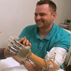 Bionic hand allows patients to 'feel'