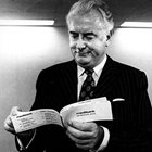 Whitlam dies: tributes to the father of Medicare